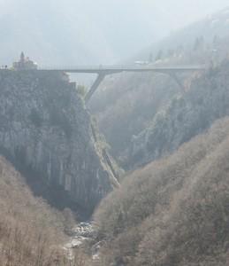 Il ponte di Loreto nella foschia del mattino