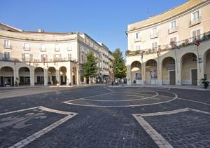Piazza Dante … dei Quattro Cantoni