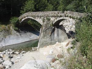 """Punt a dla Cua"" antico ponte a  Piedicavallo, 1, alta Valle Cervo"