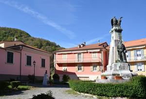 Piazza Biasotti
