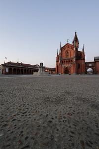 Frazione Pollenzo – Piazza Vittorio Emanuele