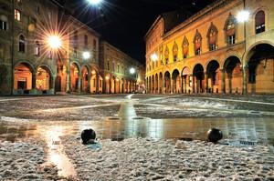 Piazza Santo Stefano – Corte Isolani