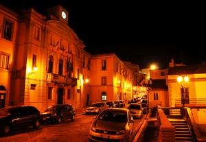 Piazza Municipio di sera