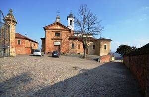 La piazzetta del Borgo Casasco