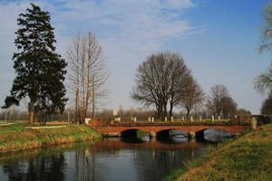Biciclettando sul canale