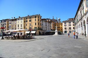 Piazza della Loggia 2