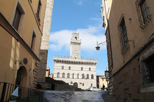 Piazza Duomo Montepulciano