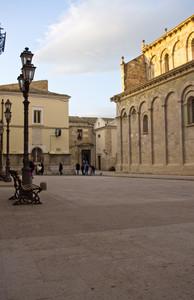scende il sole sulla cattedrale
