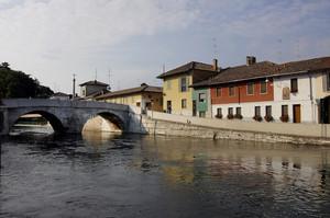 Ponte sul Naviglio Grande