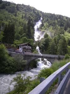 Ponte su torrente Dora