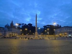 L'obelisco e l'aereo