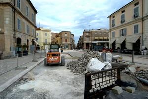 Piazza Aurelio Saffi si fa bella.