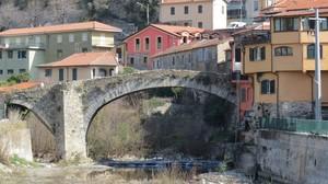 "Ponte medievale detto ""a schiena d'asino"""