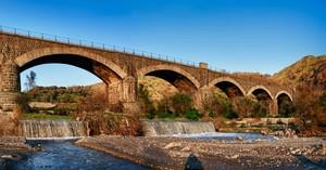 Il ponte assolato