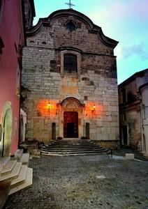 Un angolo di centro storico di 100 mq. !!! – Piazza Annunziata – Venafro