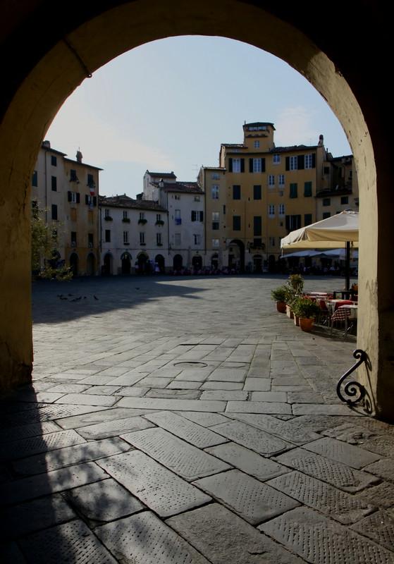 ''Pomeriggio in controluce'' - Lucca