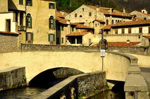ponte sul Meschio a Serravalle
