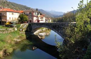 Ponte sull'Arroscia