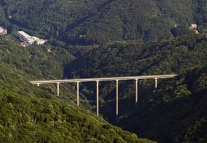 Il ponte della Pistolesa visto dalla panoramica Zegna