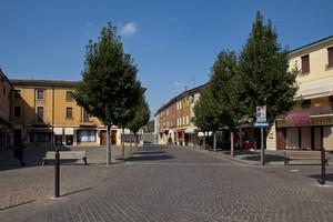 Piazza Garibaldi vuota
