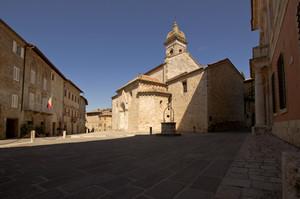 Piazza Chigi – San Quirico d'Orcia