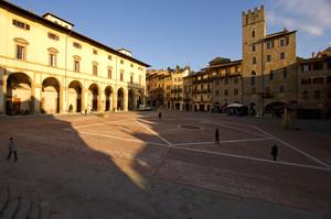 La Piazza inclinata di Arezzo