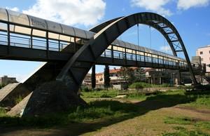 Ponte,,, sospeso