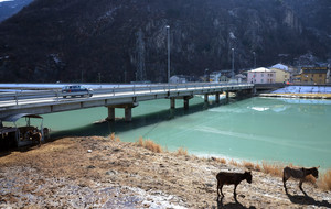 Un ponte sul fondovalle