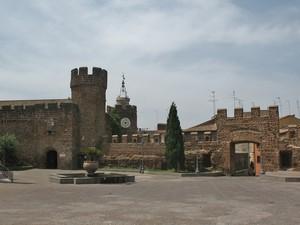 La piazza sul Castello (Piazza Santa Maria)