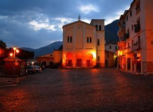Nostalgia per la Matiz gialla  di Kicka : Piazza Garibaldi –  Venafro