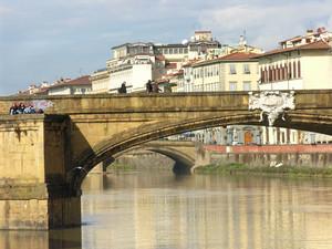 Seduti sul ponte, al primo sole
