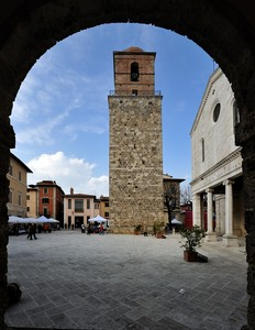 Osservando Piazza Duomo in festa