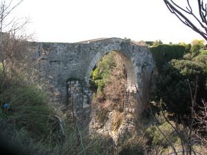 Il ponte presso l'antica città etrusca