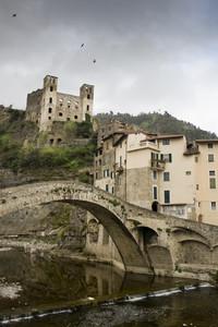 Il ponte quattrocentesco di Dolceacqua.