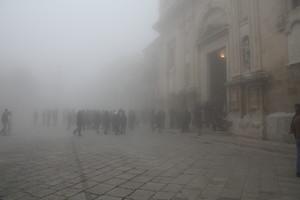 Festa tra la nebbia
