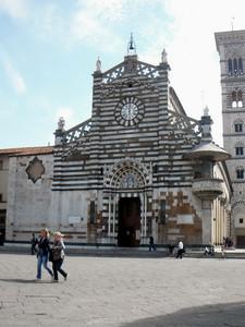 piazza del duomo di santo stefano