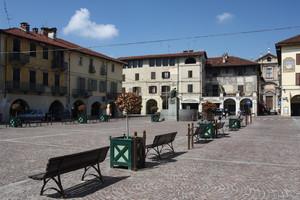 Piazza Sant'Agostino e la Casa delle Meridiane
