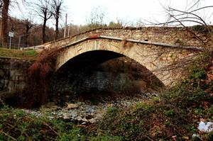 Ponte in pietre