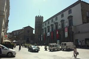 Piazza della Repubblica e Chiesa di Sant'Andrea