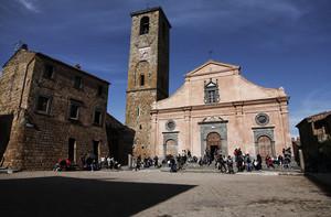 Piazza San Donato di Civita