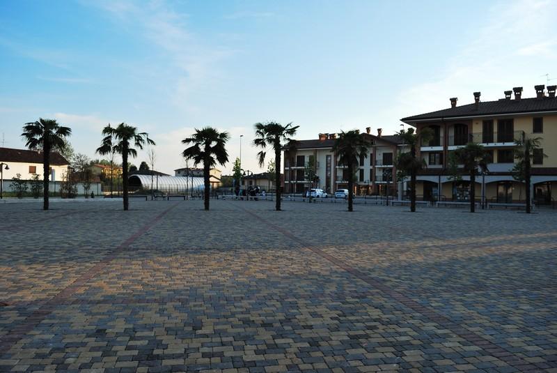 ''Piazza Italia'' - Comazzo