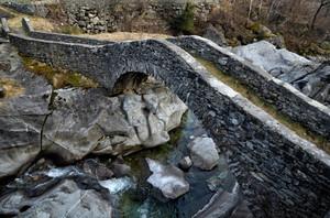 Ponte antico a Filorera