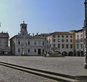 Piazza Matteotti, San Giacomo,  Erbe…….altri nomi??