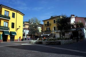 Piazza Lenotti