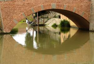 """Un """"occhio"""" sotto il Ponte della Pescheria"""