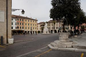 Piazza col Pozzetto