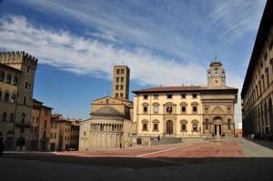 La Maestosa Piazza Grande