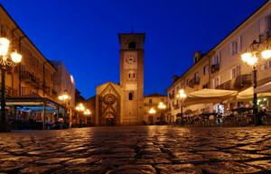 Scende la notte in Piazza della Repubblica