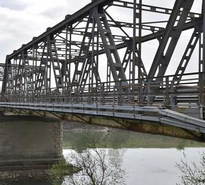 Ponte su Fiume Adige