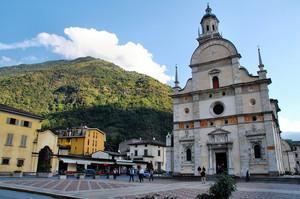 piazza Basilica Tirano